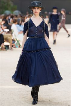 Sfilata Chanel Parigi - Alta Moda Autunno-Inverno 2017-18 - Vogue