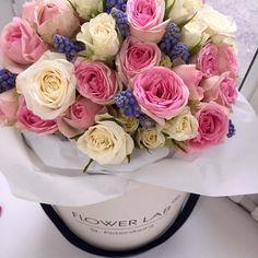 Кустовая роза и мускари