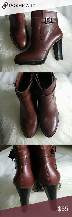 Arturo Chiang Leather Platform Ankle Boots Interior zipper. Stacked wood heel. Leather upper. Excellent condition. No scratches or nicks in heel or leather. Classic brown color with gold hardware. Arturo Chiang Shoes Ankle Boots & Booties
