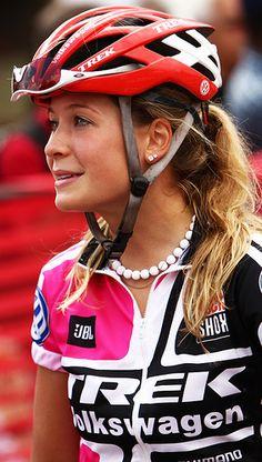 Emily Batty – Canadian Olympic Cyclist http://selfieonbike.com/emily-batty-canadian-olympic-cyclist-30-photos/
