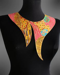 Hand painted collar with Klimt inspired designs. Made to order. Diy African Jewelry, African Accessories, Neck Accessories, African Earrings, African Wear Dresses, Latest African Fashion Dresses, African Print Fashion, Fabric Necklace, Fabric Jewelry