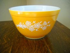 Pyrex Butterfly Gold 401 Mixing Bowl by Modernaire on Etsy
