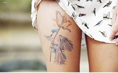 Flower Tattoo, Leg Tattoos, Watercolor Tattoo – The Unique DIY Watercolor Tattoo which makes your home more personality. Collect all DIY Watercolor Tattoo ideas on flower tattoo, leg tattoos to Personalize yourselves. Detailliertes Tattoo, Leg Tattoo Men, Tattoo Motive, Leg Tattoos, Girl Tattoos, Tattoo Bird, Tattoo Thigh, Woman Tattoos, Hummingbird Tattoo