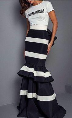 Johanna Ortiz Fall 2017 Ready-to-Wear Fashion Show - moda Fashion 2017, Look Fashion, Runway Fashion, Fashion Show, Autumn Fashion, Womens Fashion, Fashion Design, Fashion Trends, Dress Fashion