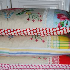 Cushions.....Love the fabric