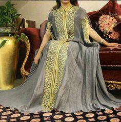 African Attire, African Fashion Dresses, African Dress, Traditional African Clothing, Traditional Dresses, Abaya Fashion, Skirt Fashion, Kaftan Designs, Mode Abaya