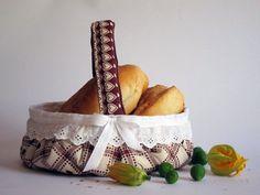 Cestino borgogna per il pane in tessuto /  Cestino portapane Shabby Chic / Set da colazione per lui e lei / Idea regalo per la coppia by RevesCreazioni #italiasmartteam #etsy