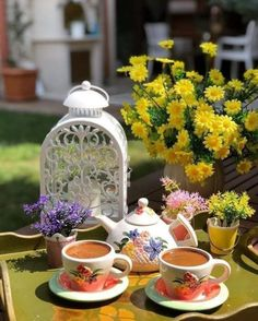 Coffee Time, Tea Time, Coffee Drinks, Coffee Mugs, Free Good Morning Images, Turkish Coffee, Happy Day, Tea Party, Table Decorations