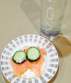Quick snack feta and smoked salmon with cucumber and rice cakes