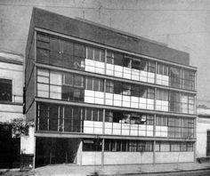 Manuel Teja y Juan Becerra: edificio de departamentos en Sadi Carnot, San Rafael, México D.F., 1953