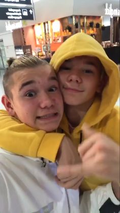 Why everybody has to have this yellow hoodie and i can't find it anywhere 😭😭 M Photos, Cute Photos, Love Twins, Dream Boyfriend, Normal Person, I Want Him, Twin Brothers, Back Off, My Crush