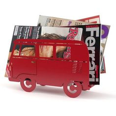 Campervan Magazine Rack Red (77 BRL) ❤ liked on Polyvore featuring home, home decor, small item storage, red home decor, red home accessories and retro home decor