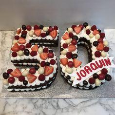 tarta numero bizcocho de chocolate