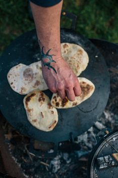 Flatbreads are super simple to make, quick to cook and taste delicious with freshly grilled meat, fish or vegetables cooked on an open fire. Baking Bread At Home, Cooking Over Fire, Natural Yogurt, Baking Recipes, Bread Recipes, Cabbage Slaw, Chicken Spices, Open Fires, Brownie Cake