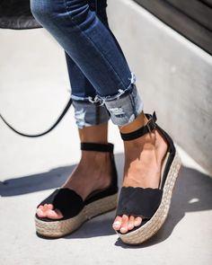 bddaee9e2c3 5413 Best shoes images in 2019 | Best boots, Black, Black people