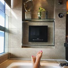 All I ever wanted! Bathtub goals #earlymorning #bathtub  #waterprooftv #bathroomtv #bathroomgoals