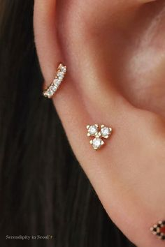 A dainty sterling silver cartilage stud with a ball screw back. This trio CZ cartilage piercing is perfect to stack along with other dainty studs and huggies. Helix Earrings, Cuff Earrings, Crystal Earrings, Sterling Silver Earrings, Diamond Earrings, Cartilage Piercing Stud, Ear Piercings, Double Cartilage, Ear Jewelry