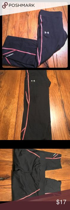 Women's Under Armour Heat Gear Compression Crops Super soft women's Under Armour heat gear crops! Only worn a few times. Small zipper pocket on the back that will hold a car key or energy gel. Under Armour Pants