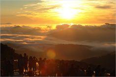 死ぬまでに行ってみたい世界の~ってコレ日本!?:北海道の絶景「雲海テラス」 - IRORIO(イロリオ)
