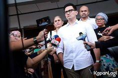Sidang lanjutan perceraian Marcellino Lefrandt dan Dewi Rezer kembali digelar. K...