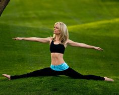 How to Train Yourself to Do a Split   Women's Health Magazine have always wanted to do this!!