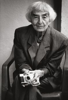 Ellen Auerbach, photographer; portrait by Stefan Moses