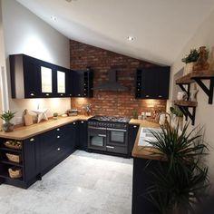 Open Plan Kitchen Living Room, Kitchen Room Design, Kitchen Dining Living, Modern Kitchen Design, Home Decor Kitchen, Interior Design Kitchen, Home Kitchens, Brick Slips Kitchen, Exposed Brick Kitchen