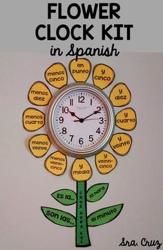 This is a fun kit to decorate the clock in your Spanish classroom and help your students learn how to tell time in Spanish. Comes with yellow petals and green stems/leaves and a white version to print on your own colored or patterned paper if you'd like. Spanish Classroom Decor, Bilingual Classroom, Dual Language Classroom, Bilingual Education, Elementary Spanish Classroom, Spanish Language Learning, Teaching Spanish, Teaching Time, Teaching French