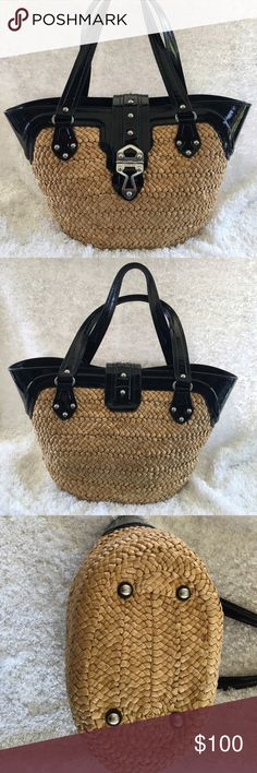 """Michael Kors Santorini Sea Grass Bag Perfect for spring, summer, and fall. MK woven sea grass bag is in excellent condition inside and out. 19"""" across opening at top, 12"""" tall, 7"""" front to back across the bottom. 4 nickel feet on the bottom. Michael Kors Bags"""