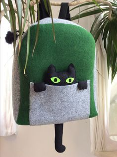 Felt backpack with cat
