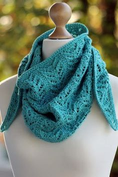 True Blue Knit Shawlette | This free knit shawl pattern looks more complicated than it actually is.