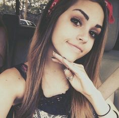 This pic always makes me smile, I don't even know why but it does. Maggie Lindemann