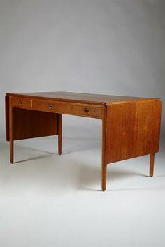 Hans Wegner; Teak and Oak Desk for Andreas Tuck, 1950s.