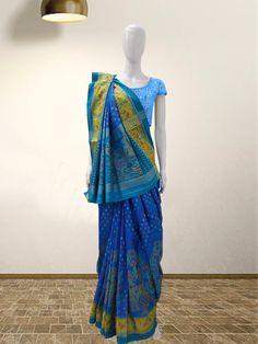 Rajkoti Patola Saree  For more details call/whatsapp- 91-9377399299  #sankalpthebandhejshoppe #patola #rajkotipatola #designersaree #bandhej #bandhani #bandhanisaree #designersaree