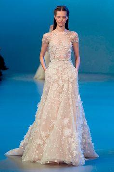 vestido-de-noiva-aplicacao-flores-3d-elie-saab-03