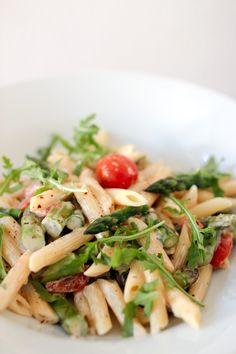 Rezept für Penne mit Spargel, Cocktailtomaten & Rucola   Aspargus pasta recipe