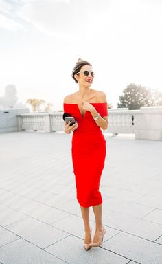 Swooning over this off-the-shoulder red midi dress!