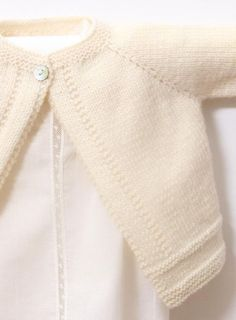 Best 12 Baby Cardigan / Knitting Pattern Instructions / PDF Instant Sizes : Newborn / 3 / 6 / 9 and 12 monthsMaterials : Wool Plassard Boud'chou 100 % Merino wool Fingering 4 ply – 50 g balls – 224 yards meters) 2 / 3 / 3 / 4 / 4 Balls One p Baby Knitting Patterns, Knitting For Kids, Baby Patterns, Free Knitting, Baby Cardigan Knitting Pattern Free, Knitting Wool, Vogue Patterns, Vintage Patterns, Vintage Sewing