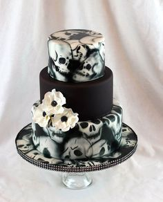 wedding cakes fondant Ambrosia Cake Creations 3 tier skull cake with white anemones. Skull Wedding Cakes, Gothic Wedding Cake, Gothic Cake, Wedding Cake Prices, Themed Wedding Cakes, Unique Wedding Cakes, Wedding Cake Designs, Wedding Cupcakes, Wedding Cake Toppers