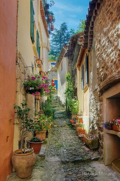 """""""A narrow street in Provence village"""" France ~~ by Patrick Morand Haute Provence, Provence France, Places To Travel, Places To See, Travel Around The World, Around The Worlds, Provinces De France, Foto Transfer, Beau Site"""