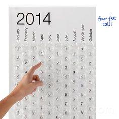 Calendario 2014 hecho con burbujas de plástico - http://www.ocompras.com/otros/calendario-2014-hecho-con-burbujas-de-plastico 2014, burbujas, calendario, Plástico