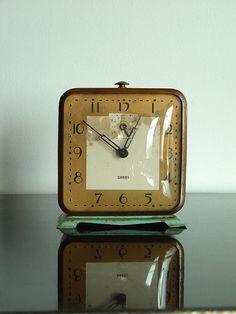Vintage 1930s Darby Art Deco Era Wind Up Alarm Clock