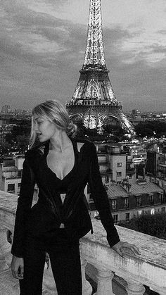 Boujee Aesthetic, Bad Girl Aesthetic, Aesthetic Collage, Aesthetic Photo, Black And White Photo Wall, Black N White, Black And White Aesthetic, Paris Photography, Photo Wall Collage