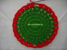 Paula Mengual Tejidos de Autor: Tutorial Agarradera de frutilla (Crochet) Crochet Bow Pattern, Crochet Bows, Crochet Flowers, Newborn Crochet, Holiday Decor, Fabric, Crafts, Lana, Ideas