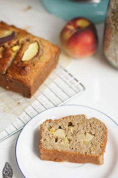 Heerlijk gezonde appelcake, zonder suiker en zuivel (dus ook lactosevrij)! Ideaal als gezond tussendoortje of snel ontbijt!