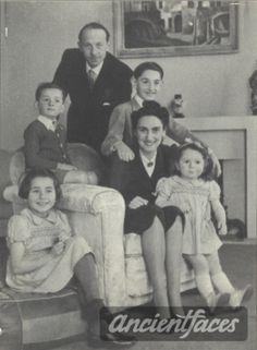 Pierre Baur, Myriam Baur, Antoine Baur, Francine Baur Nationality: French (Jewish) Residence: Paris, France Death: December 30, 1943 Cause: Murdered in Auschwitz (buried in Auschwitz death camp) Age: 10 years, 9 years, 6 years, 3 years