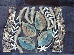 . Bobbin Lacemaking, Bobbin Lace Patterns, Lace Heart, Lace Jewelry, Needle Lace, Lace Making, Lace Detail, Hand Embroidery, Tatting