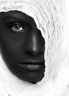 Gorgeous eyes, gorgeous skin, gorgeous contrast!