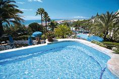 Het 4-sterren hotel IFA Dunamar beschikt over een uitgebreid healthcenter met o.a. stoombad, sauna, fitness en massage en een tropische tuin met zwembaden en watervallen.    In het buffetrestaurant en de bars kunt u terecht voor een hapje en een drankje.    Het hotel is super centraal gelegen ten opzichte van het strand en de diverse winkelcentra in de directe omgeving.  Dit mooi gelegen hotel biedt schitterend uitzicht over zee, strand en duinen.   Officiële categorie ****