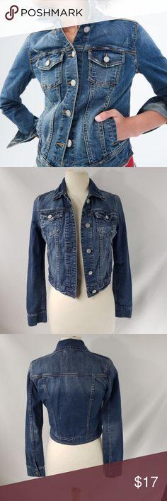 7ff22a96d23 Levi s medium Denim Jacket Levi s Denim Jacket Size medium Levi s Jackets    Coats Jean Jackets